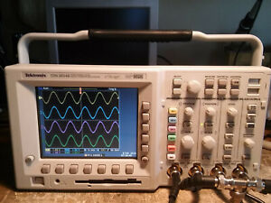 Only 25 Hours Tektronix Tds3054b 500mhz 5gsa s Oscilloscope Tds3trg Tds3fft