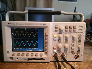 1109 Hours Tektronix Tds3052b 500 Mhz 5gs s 2 Ch Oscilloscope Tds3fft Tds3trg