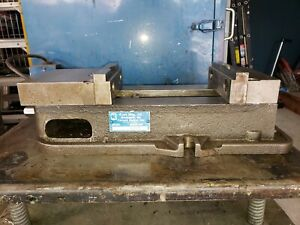 Kurt D675 Anglock 6 Milling Machine Vise W handle