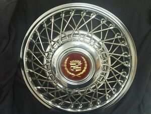 New Nos Gm Fwd Cadillac 14 Wire Wheel Hubcaps With Gold Maroon Center Cap