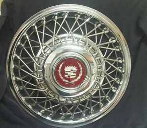 New Nos Gm Fwd Cadillac 14 Wire Wheel Hubcaps With Silver Maroon Center Cap