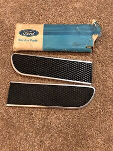 Nos 1969 1970 Ford Mustang Shelby Gt350 Gt500 End Cap Honeycomb Insert Pair