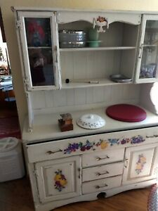 Vintage Sideboard Hutch Reduced To 250 It S Gotta Go