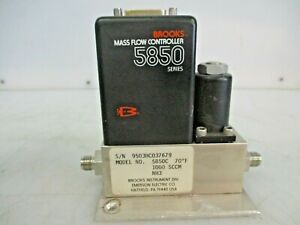 Brooks Mass Flow Controller 5850c
