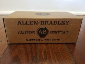 Nos Book Of A b Allen Bradley 200 Ohm 1 4w 5 Fixed Resistors Around 1000