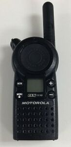 Motorola Cls1110 5 mile 1 channel Uhf 2 way Radio Great Condition
