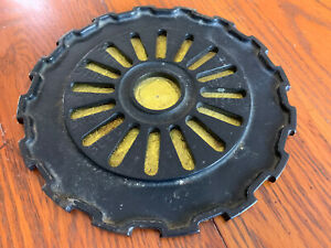 Vintage International Harvester Planter Small Plate 1977a Cast Iron Trivet Gear