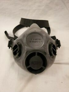 Scott Safety Xcel Half Mask Respirator 7421 114 Large New In Package
