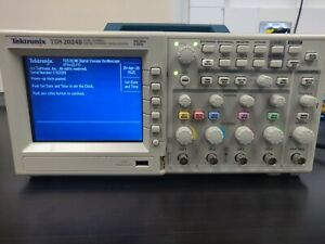 Tektronix Tds2024b 4 ch 200 Mhz 2 Gs s Digital Storage Oscilloscope Fully Tested