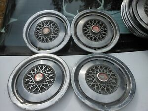 Ford Mustang Hubcaps 14