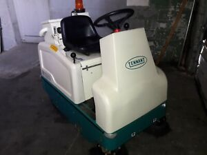 Tennant 6100 38 Sweeper Riding Excellent Condition 757 Hours