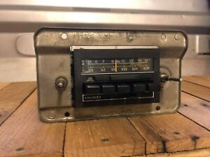 Works 1983 1984 Factory Ford Truck Am Fm Stereo Oem Two Post Radio 83 84