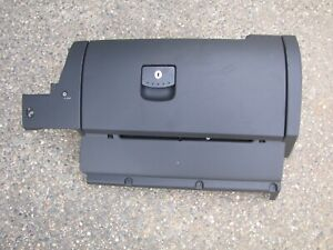Volkswagen Beetle Glove Box With Aux In 98 08 Black Oem