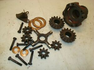 1955 Ford 640 Tractor Rearend Differential Spider Gears Parts 600