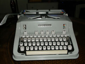 Mint Condition 1960s Hermes 3000 Manuel Typewriter With Instruction Manual Key L