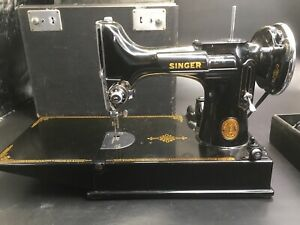 Antique Singer Sewing Machine Af749580 Still Working With Accessories