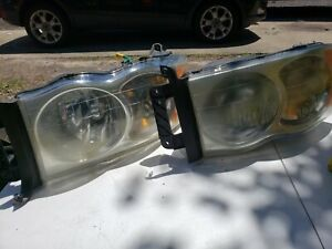 2003 2004 2005 Dodge Ram 2500 3500 Pair Headlights Oem