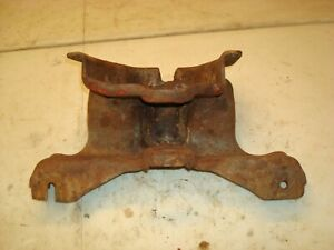 1944 Ford 2n Tractor Front Axle Pivot Bracket 9n