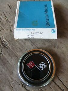 1965 1967 Chevrolet Corvette Steering Wheel Horn Cap Button Nos Gm Pn 3899365