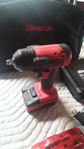 Snap On Ct8810a Impact Wrench Driver 1 Battery1 Charger And Nylon Case