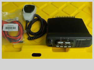 Motorola Cdm750 Vhf Mobile Radio W Mic Power Cord