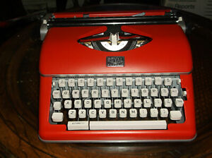 New In Box Royal Classic Manual Portable Typewriter All Steel