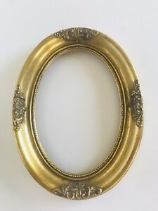 Vintage 5x7 Oval Ornate Wooden Frame Antiqued Gold Gilt