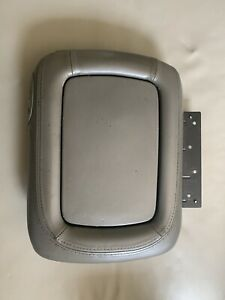 00 06 Tahoe Yukon Suburban Denali Light Gray Center Console Lid Armrest Gm Oem