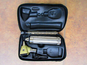Welch Allyn Diagnostic Set Otoscope 3 5v C Battery Handle Specula 71000 240a