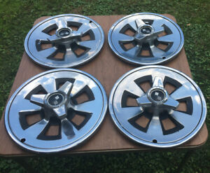 4 1966 Corvette Hubcaps Rim Wheel Covers Hub Caps 15 Used Original Spinners