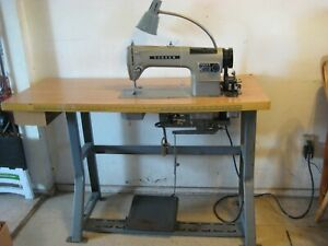 Consew Heavy Duty Industrial Sewing Machine Model 230 With Table