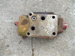 International Farmall 340 Utility Ih Tractor Hydraulic Control Valve Cente Block