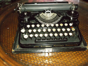 1930s Underwood 3 Bank Vintage Typewriter With Glass Key Tops Wooden Cary Case