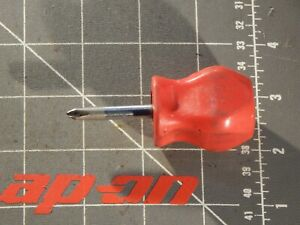 Snap On Tools Red Hard Handle Stubby Screw Driver Phillips Screwdriver Sddp22