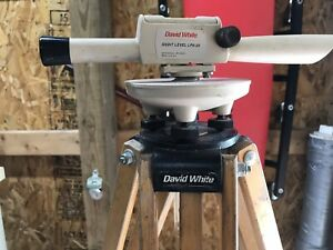 Used David White Realist Sight Level Lp6 20 With Tripod