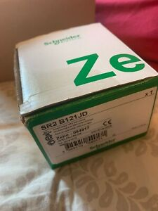 Sr2b121jd Schneider Electric Zelio 12vdc 12 I o Smart Relay W Display