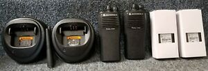 Motorola Cp200 Uhf Set Of 2 Radios 4 Chan W Accessories Very Good Buy 1 7 Sets