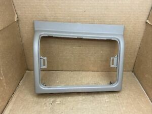 03 06 Silverado Sierra Tahoe Center Console Front Cubby Trim Pewter 15070497