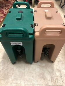 Two Cambro Beverage Servers Tan And Green Hot Or Cold 2 5 Gallon