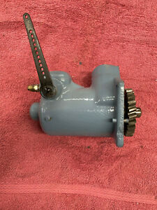 Wisconsin W4 1770 Top Distributor Mount Governor Housing And Governor
