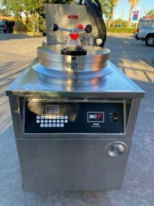 Bki Fkm fc Electric Commercial Pressure Fryer With Automatic Filtration System