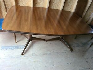 Modern Mid Century Dining Table Chairs By Blowing Rock Furniture Industries
