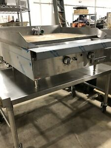 New Southbend P32n 36in Counter Top Range