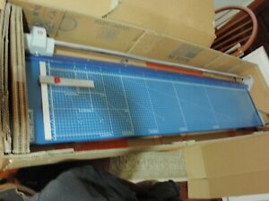 Dahle D558 Professional 51 Rotary Paper Trimmer Rolling 558 12 sheet Cutter