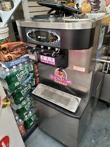 Taylor C723 1ph Air Cooled Soft Serve Frozen Yogurt Ice Cream Machine