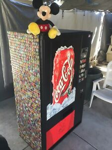 Coke Soda Vending Machine vendo Ice Cold
