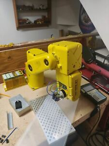 Fanuc Lr Mate 200i Robot 2001 6 Axis Great Condition