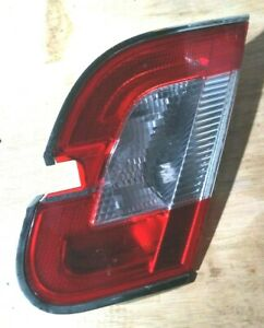 2010 12 Ford Taurus Rear Passengers Inner Tail Light Assembly Loc 133sw