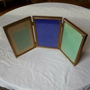 Vtg Mid Century Gold Metal Diamond Design Hinged Tri Fold Picture Frame