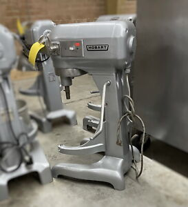A 200 Used Hobart 20 Quart Commercial Stand Mixer